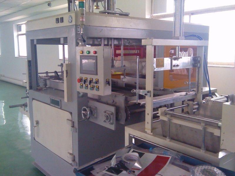 Semi-Automatic Thick Sheet Vacuum Forming Machine